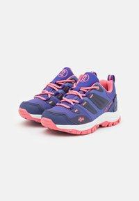 TrollKids - KIDS RONDANE LOW UNISEX - Hiking shoes - dark purple/coral rose - 1