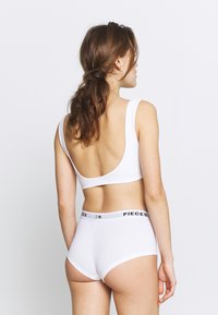 Pieces - PCLOGO LADY SOLID 4 PACK  - Culotte - bright white - 2
