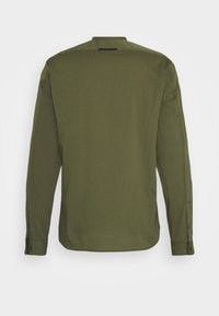 Marc O'Polo DENIM - MINI STAND-UP COLLAR - Shirt - fresh olive - 1