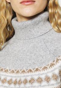 Fashion Union Tall - ELIAS FARISLE ROLL NECK BOXY JUMPER - Stickad tröja - brown - 5