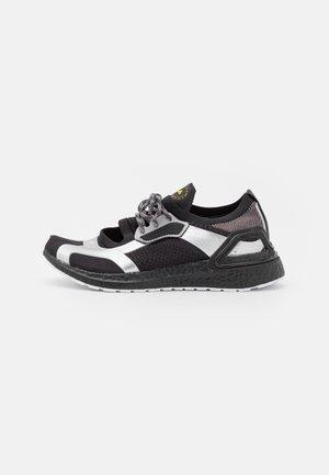ASMC ULTRABOOST REFLECT - Neutral running shoes - core black/footwear white