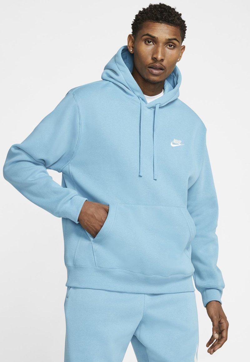 Nike Sportswear - CLUB HOODIE - Hættetrøjer - cerulean/cerulean/white