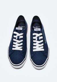 Pepe Jeans - KENTON SMART - Sneakers - azul marino - 1