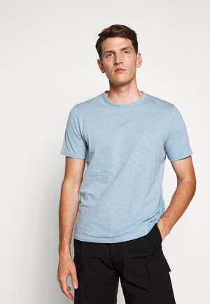 ESSENTIAL TEE - T-shirt basique - fading