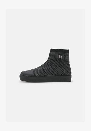ALICIA MID  - Sneakers hoog - black