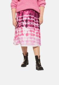 Studio Untold - BATIK - A-line skirt - hell-pink - 0