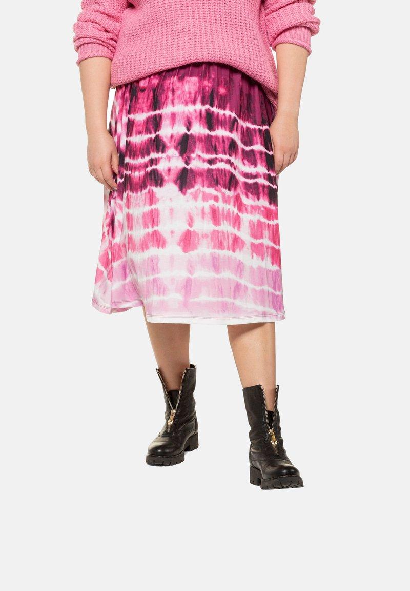 Studio Untold - BATIK - A-line skirt - hell-pink
