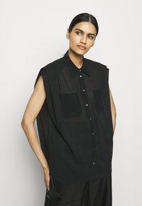 3.1 Phillip Lim - CAP SLEEVE BLOUSE - Button-down blouse - black - 3