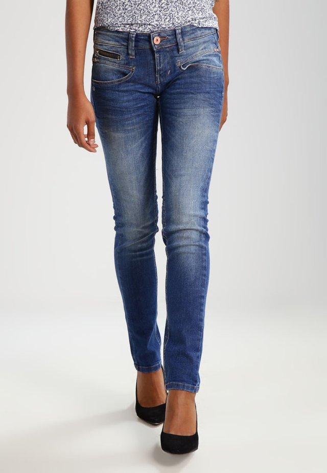 ALEXA - Slim fit jeans - necton
