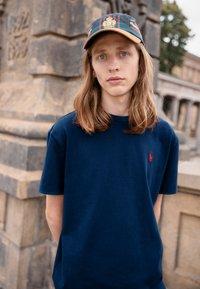 Polo Ralph Lauren - CLASSIC FIT JERSEY T-SHIRT - Basic T-shirt - newport navy - 0