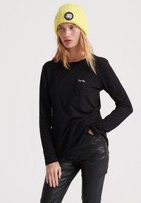 ORANGE LABEL - Camiseta de manga larga - black
