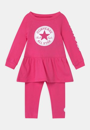 SCRIPT LOGO SET - Leggings - Trousers - mod pink