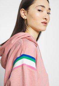 Nike Sportswear - HOODIE - Hoodie - rust pink/white - 5