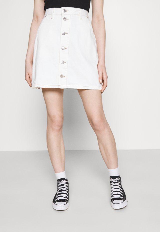 SHORT SKIRT - Minisukně - white