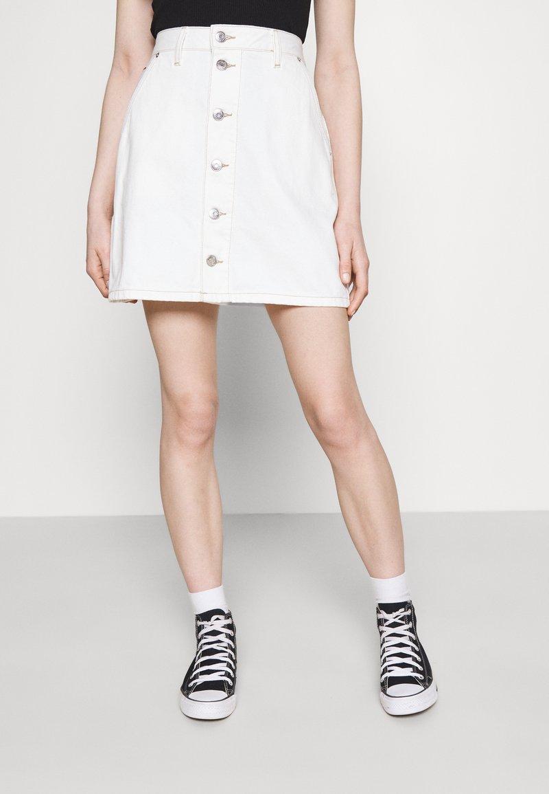 Tommy Jeans - SHORT SKIRT - Mini skirt - white