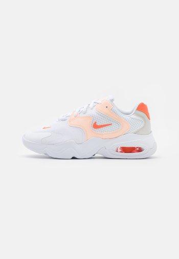 AIR MAX 2X - Sneakers basse - white/bright mango/crimson tint