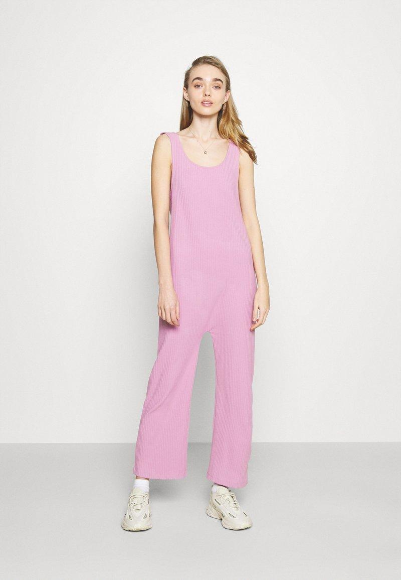 Monki - Jumpsuit - pink