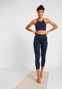 Free People - CROPPED RUN TANK - Fitness / Yoga - navy - 1
