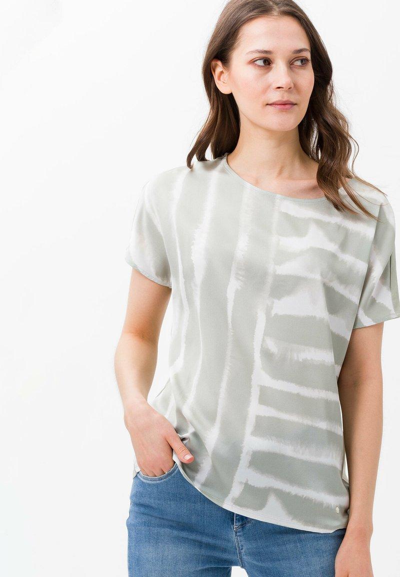 BRAX - STYLE CAELEN - Print T-shirt - khaki