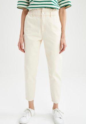 BAGGY DEFACTO  - Pantalon classique - ecru