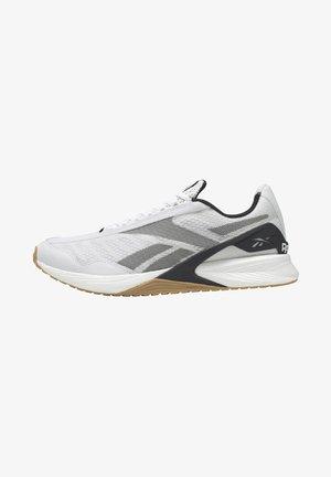 SPEED  - Chaussures d'entraînement et de fitness - white