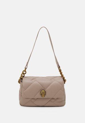 KENSINGTON SOFT BAG - Bolso de mano - blush