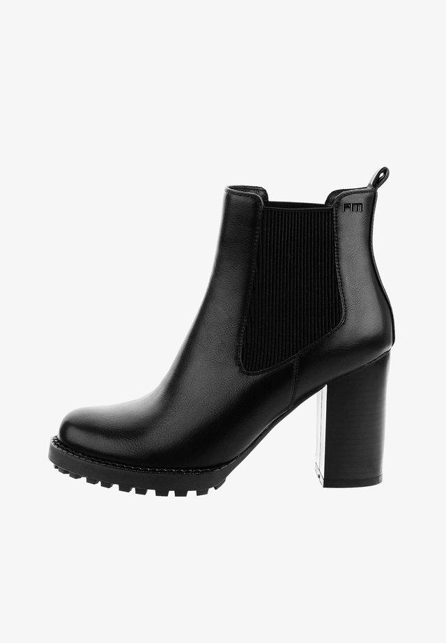 Højhælede støvletter - czarny