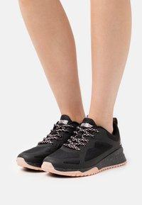 Skechers Sport - BOBS SQUAD  - Sneakers laag - black - 0
