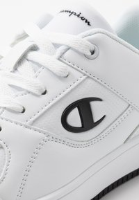 Champion - LOW CUT SHOE REBOUND - Koripallokengät - white/black - 5