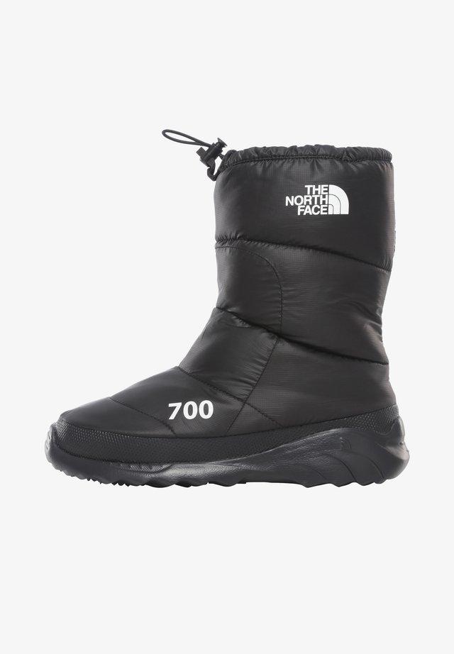 M NUPTSE BOOTIE 700 FTW - FOOTWEAR - Stivali da neve  - tnf black/tnf white