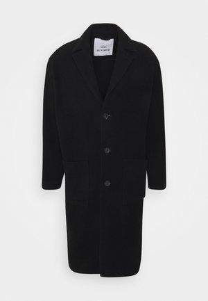 CASSIUS - Zimní kabát - black