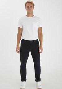 Solid - Jeansy Straight Leg - black - 1