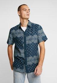 Tommy Jeans - BANDANA PRINT SHIRT - Shirt - blue - 0