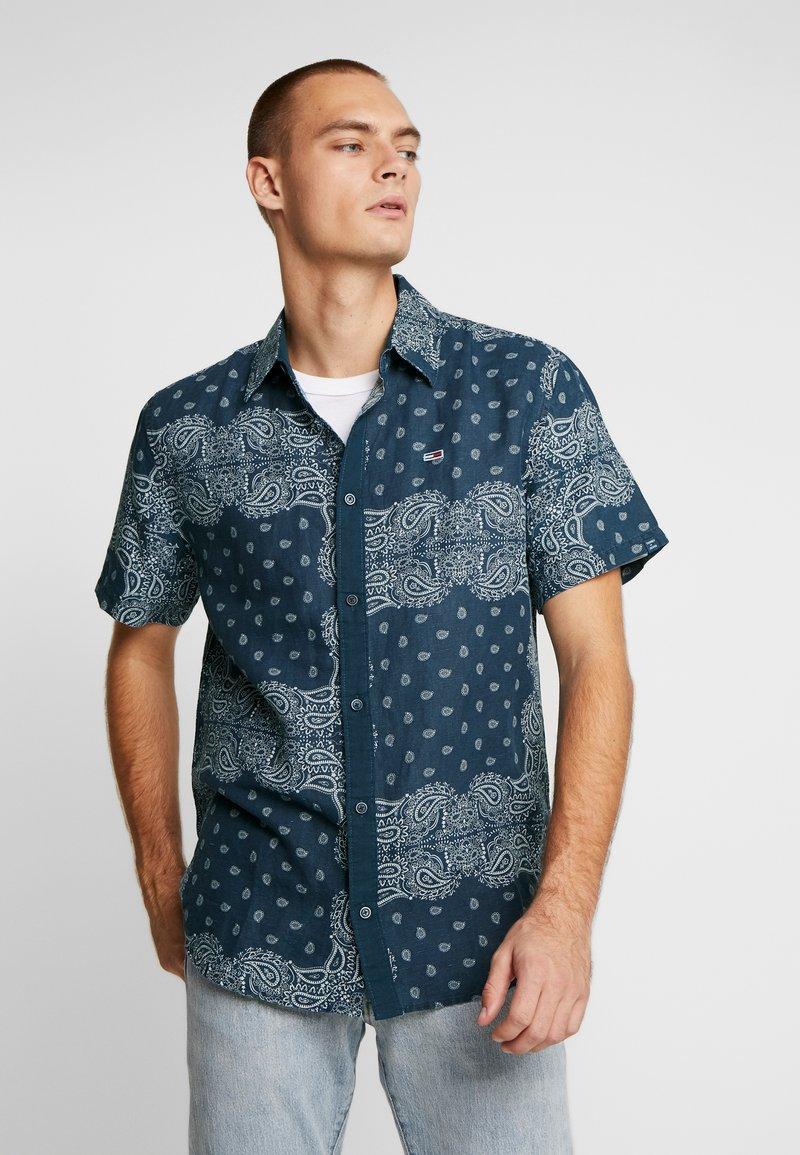 Tommy Jeans - BANDANA PRINT SHIRT - Shirt - blue