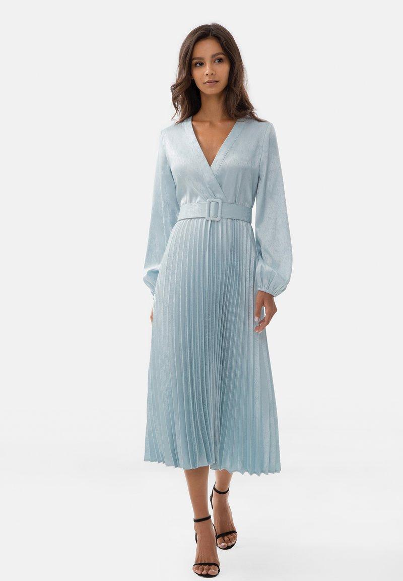 Lichi - Day dress - light blue
