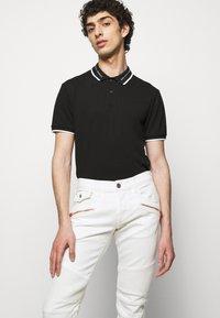 True Religion - ROCCO COMFORT - Slim fit jeans - white - 3