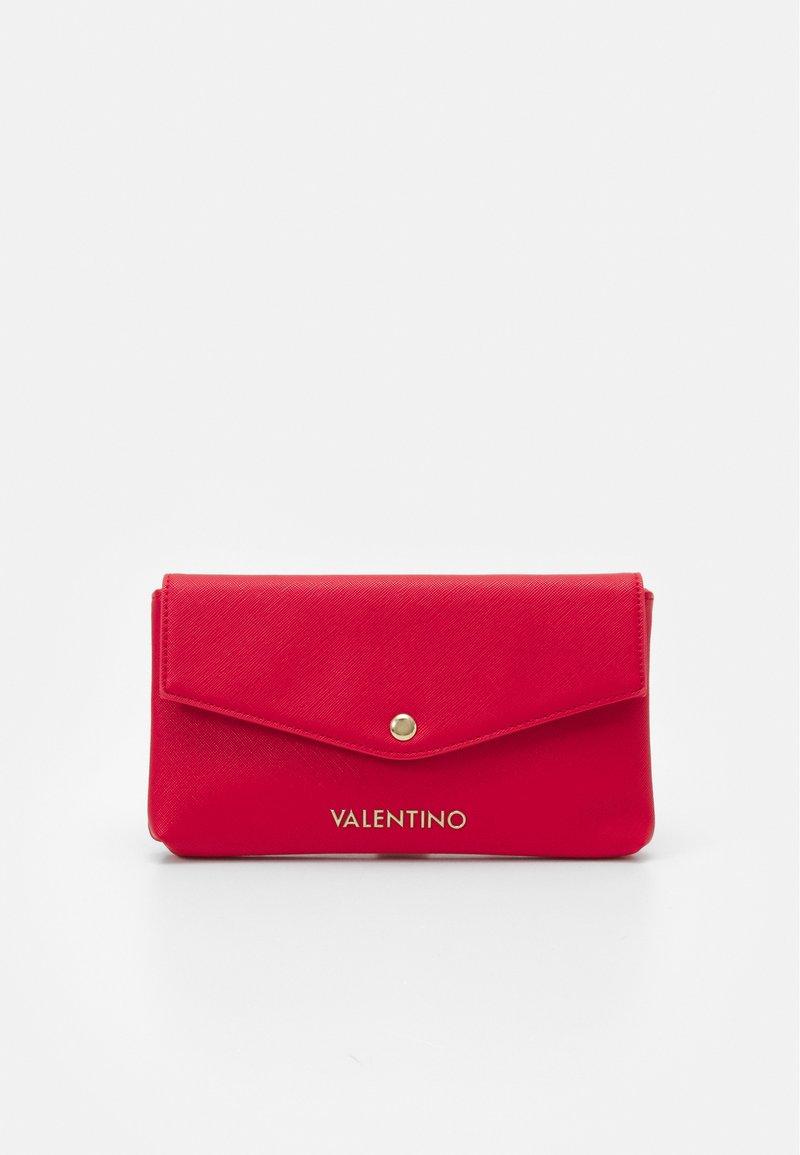 Valentino by Mario Valentino - SOFT COSMETIC CASE - Toalettmappe - rosso