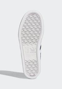 adidas Originals - DELPALA SHOES - Zapatillas skate - blue - 4