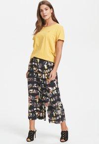 Karen by Simonsen - Basic T-shirt - yellow - 1