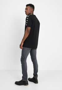 Lee - LUKE - Jeansy Slim Fit - grey used - 2