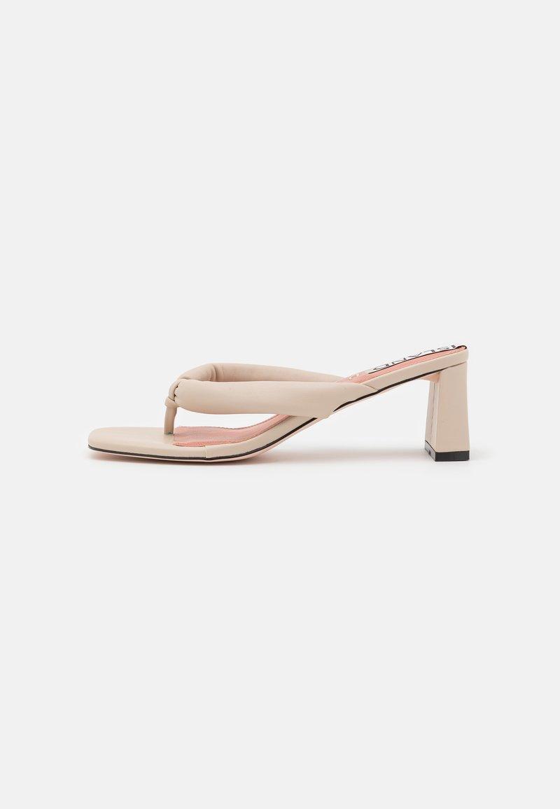 River Island - Sandály s odděleným palcem - white