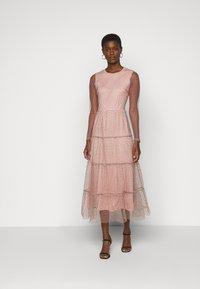 Vero Moda Tall - VMJUANA DRESS - Společenské šaty - misty rose/black - 0