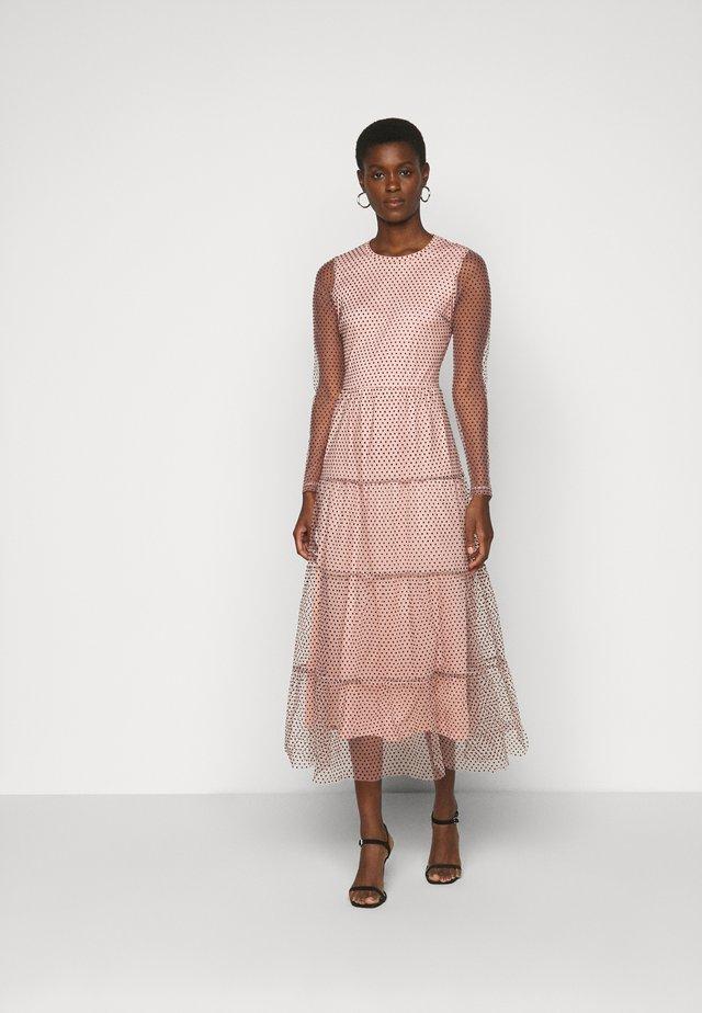 VMJUANA DRESS - Společenské šaty - misty rose/black