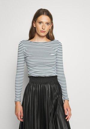 Long sleeved top - light blue/white