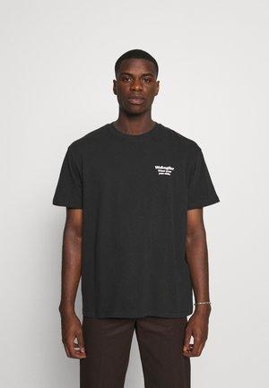 TEE - Print T-shirt - faded black