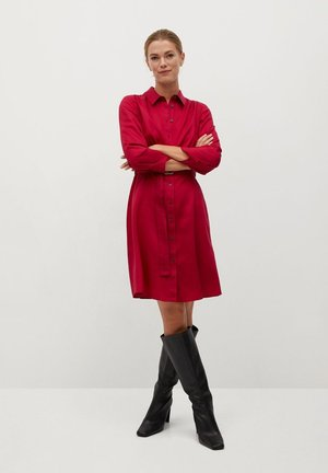 CROS - Shirt dress - granátová