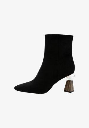 TABELLINI - Højhælede støvletter - black