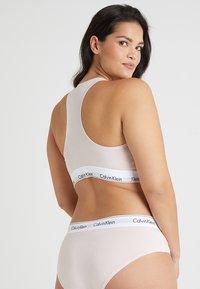 Calvin Klein Underwear - MODERN PLUS UNLINED BRALETTE - Bustier - nymphs thigh - 2