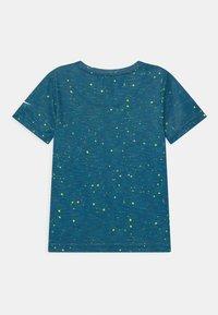 Nike Sportswear - FAUX SPACE - Print T-shirt - game royal - 1