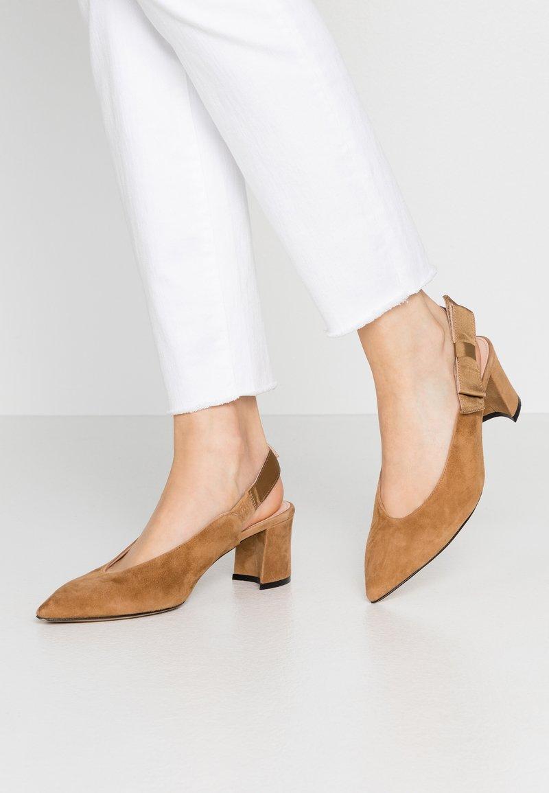 Maripé - Classic heels - cognac